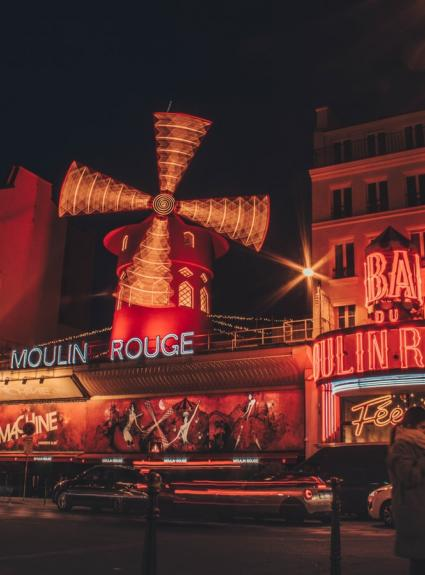 Open-air movie nights at the Bar à Bulles