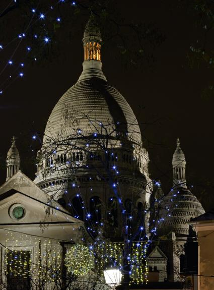 A picturesque shopping spree at the Abbesses Christmas market