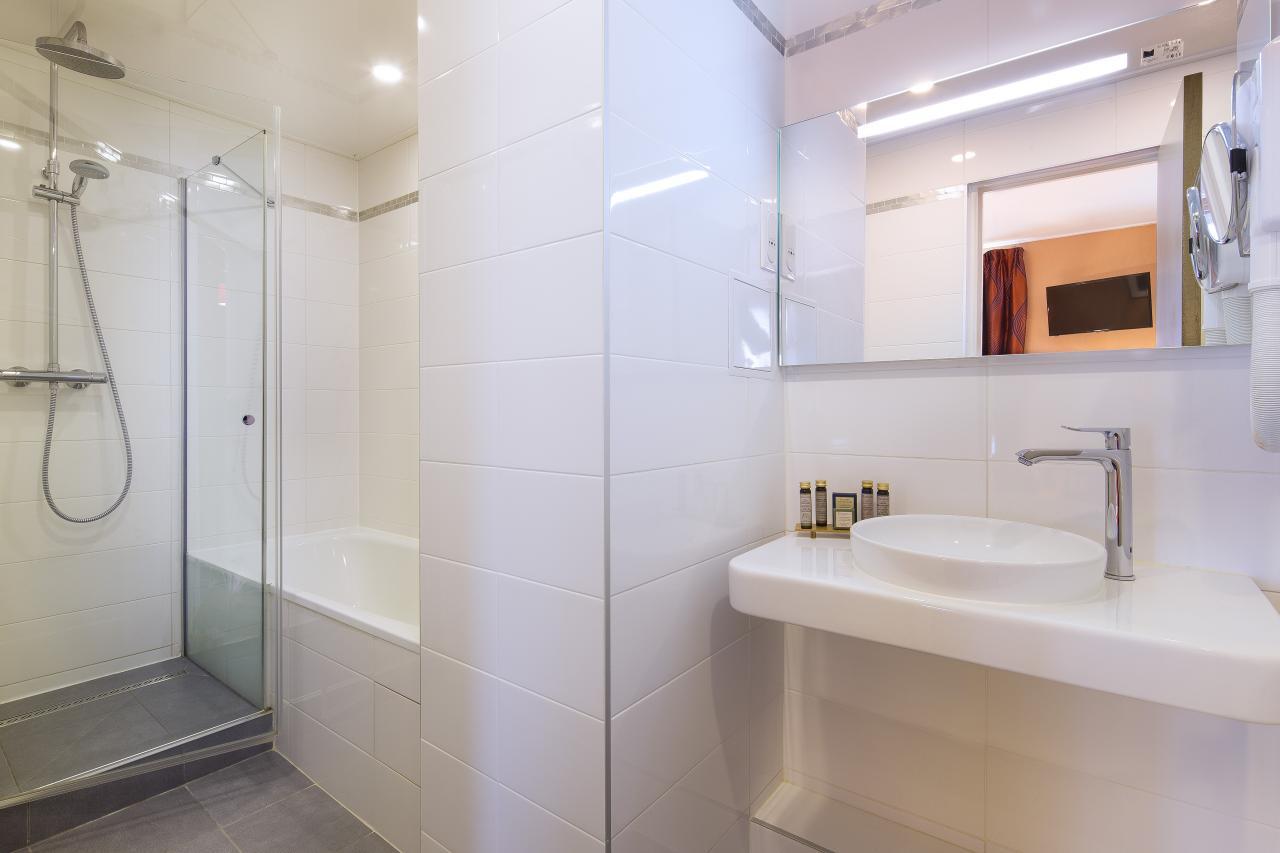 Hotel des Arts Montmartre - Chambre - Salle de bain