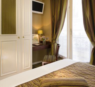 Hotel des Arts Montmartre - ChambreHotel des Arts Montmartre - Room